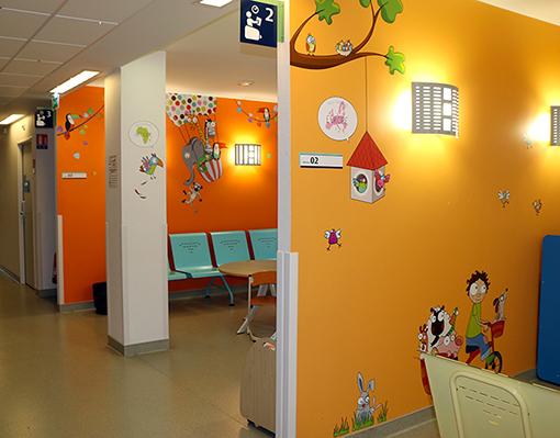 decoration-hopital-salle-attente-afrique-besancon-4