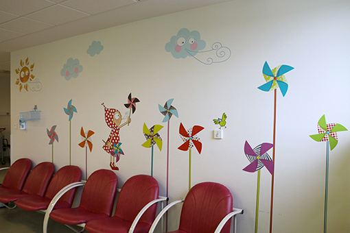 decoration-hopital-salle-attente-mucoviscidose-besancon-3