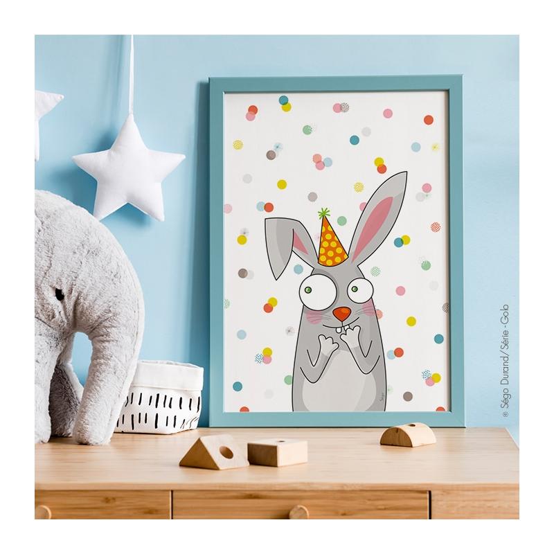 Affiche lapin posée sur un meuble pour une déco réussie.