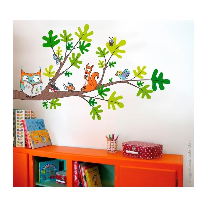 Sticker branche d'arbre. Hibou et écureuil. Décoration murale.