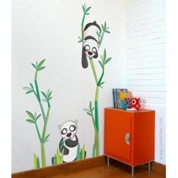 sticker avec de jolis pandas et branche de bambou