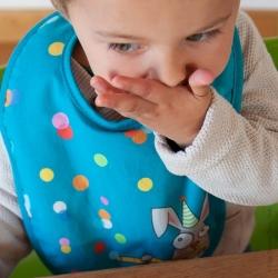 Bavoir bébé confettis bleu