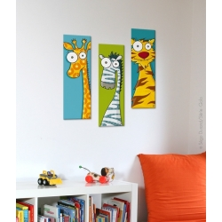 Tableau bébé girafe. Présenté avec un zèbre et un tigre, vendus séparément.