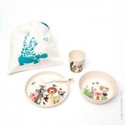 Vaisselle bambou. Liste des 4 pièces : Cuillère, assiette, bol et verre. Idéal pour un cadeau. Produit disponible