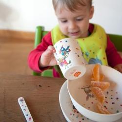 Des repas bien animés pour la joie des enfants et des parents. Vaisselle bambou.