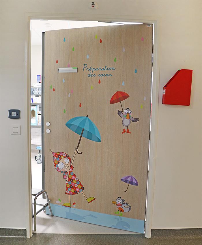 Sticker de porte pour la salle de préparation des soins.