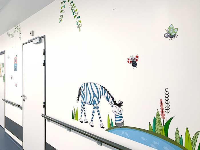 Les animaux de la jungle décorent les couloirs